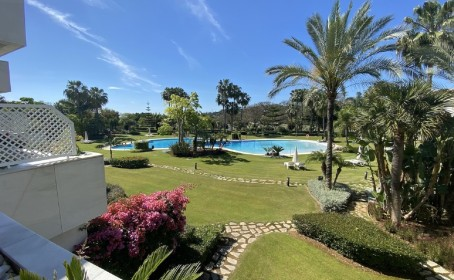 Apartment for sale in , Nueva Andalucía